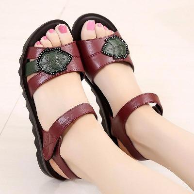 【美美购】妈妈凉鞋女夏真皮中老年平跟软底女鞋防滑大码中年女鞋